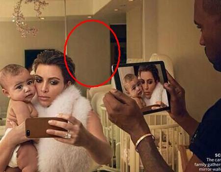 Wpadka w Vogue: Kanye West jest wampirem? (FOTO)