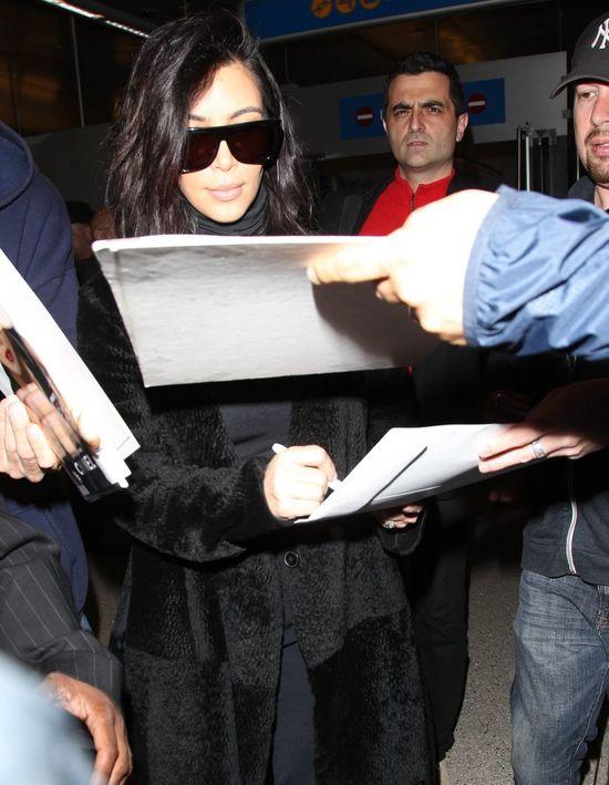 Co ugryz�o Kim Kardashian? (FOTO)