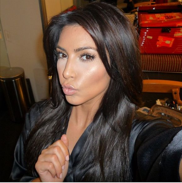Kim Kardashian pokazała selfie bez makijażu (Insta)