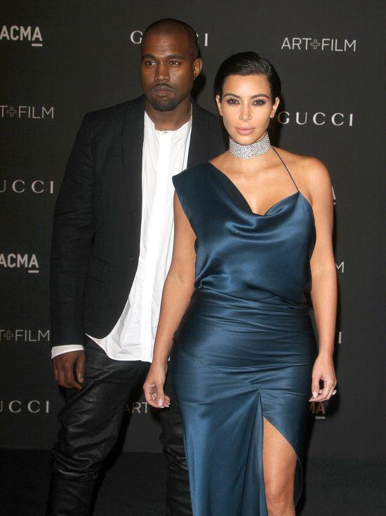 Ta suknia Kim Kardashian tylko podsyciła plotki o ciąży!