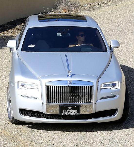 Kim Kardashian zrobi�a co� bardzo brzydkiego w samochodzie