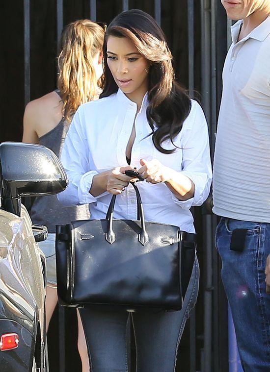 Kim Kardashian przefarbowała włosy?! (FOTO)
