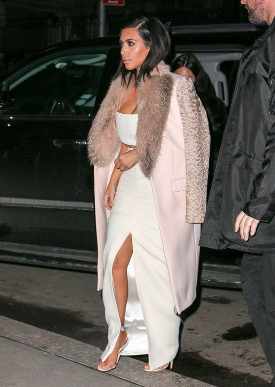 Kardashianki wietrzą biusty (FOTO)