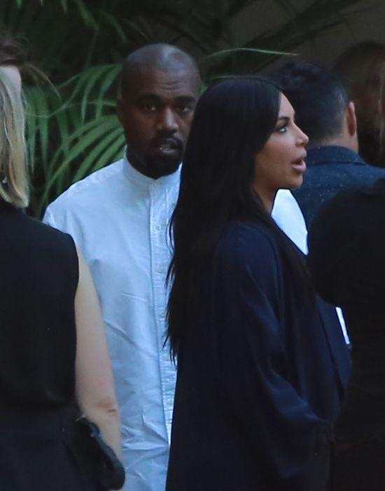 Kim Kardashian kusiła na The Vogue Fashion Show (FOTO)