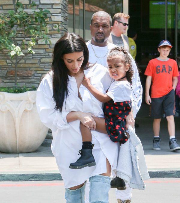 Kim przygotowuje Nori do narodzin kuzyna (lub kuzynki)