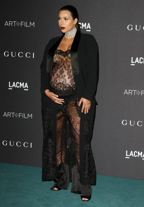 Kolejne komplikacje w ciąży Kim Kardashian