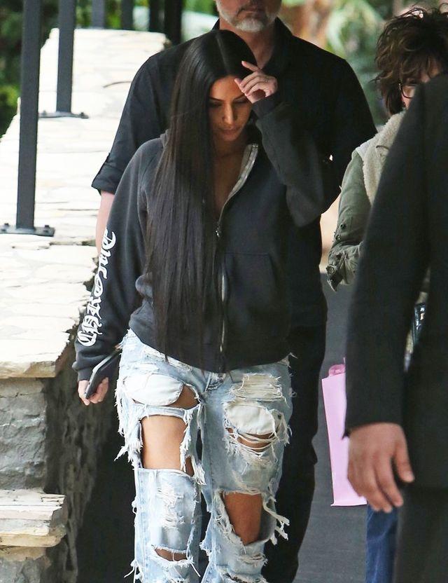 Stylista fryzur Kim Kardashian zdradza sekret błyszczących włosów celebrytki