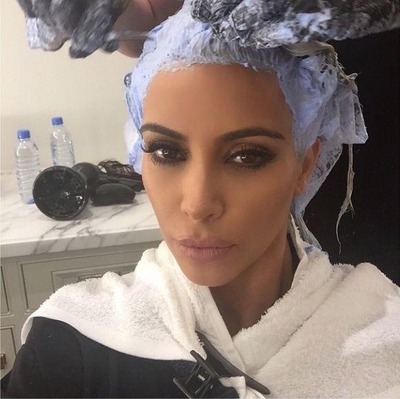 Kim Kardashian pokaza�a sw�j najwi�kszy makija�owy trik FOTO