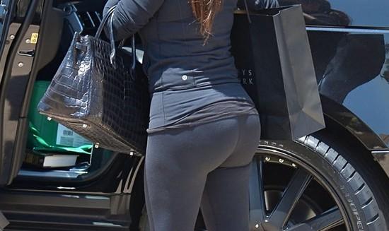 Gdy Kim Kardashian nie ułoży włosów... (FOTO)