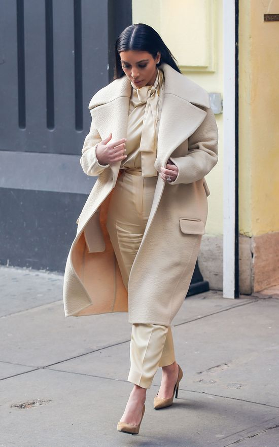 Kim Kardashian zrobi operację plastyczną dłoni?