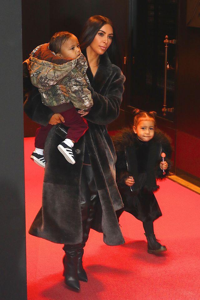 Internauci myślą, że w ten sposób Kim i Kanye zdradzili IMIĘ trzeciego dziecka