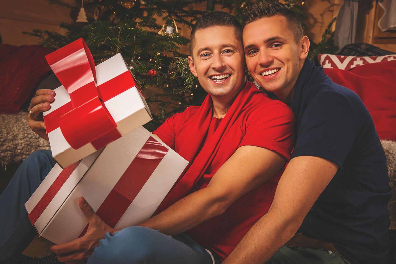 Znani geje nagrali własną piosenkę na święta (VIDEO)