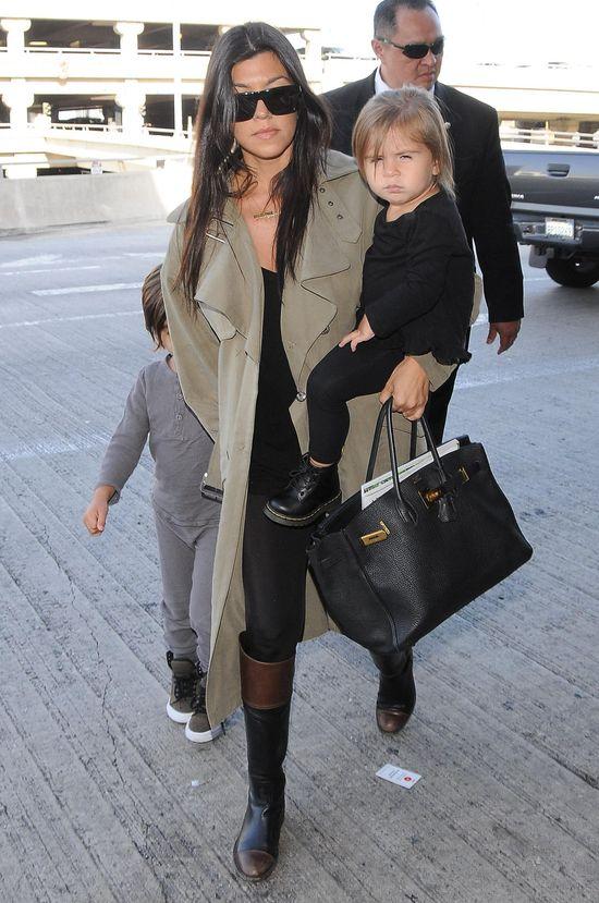 W walizek zabra�a ze sob� Kourtney Kardashian do Pary�a?
