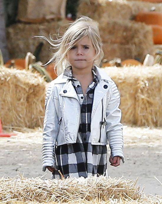 Iloma dziećmi na raz opiekuje się Kourtney Kardashian? (FOTO