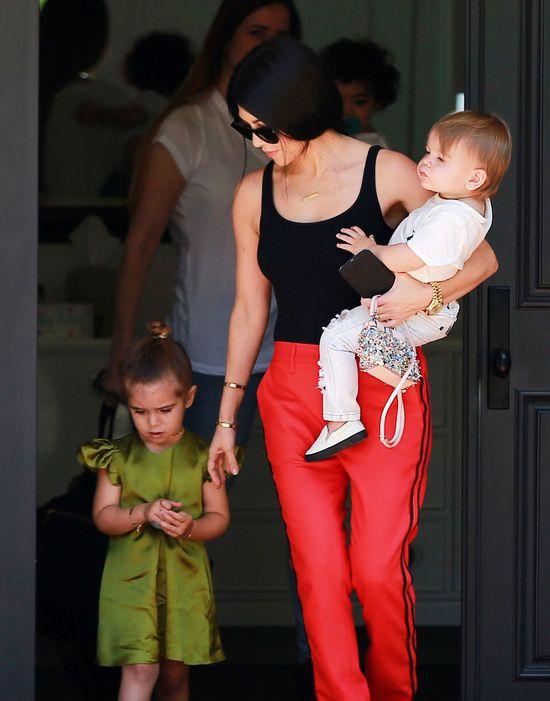 KOurtney Kardashian, penelope disick, reign disick