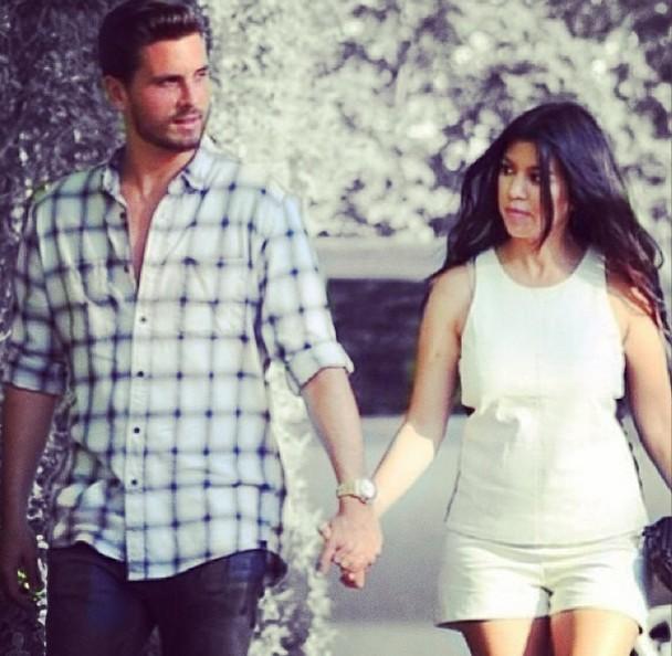 Po co Kourtney Kardashian sztuczny ciążowy brzuch!?