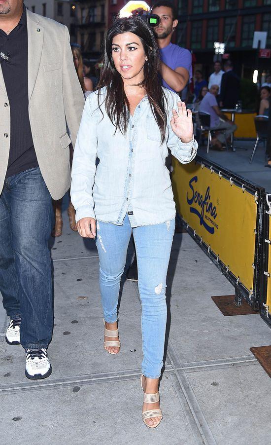 Czy u Kourtney Kardashian widać już brzuszek? (FOTO)
