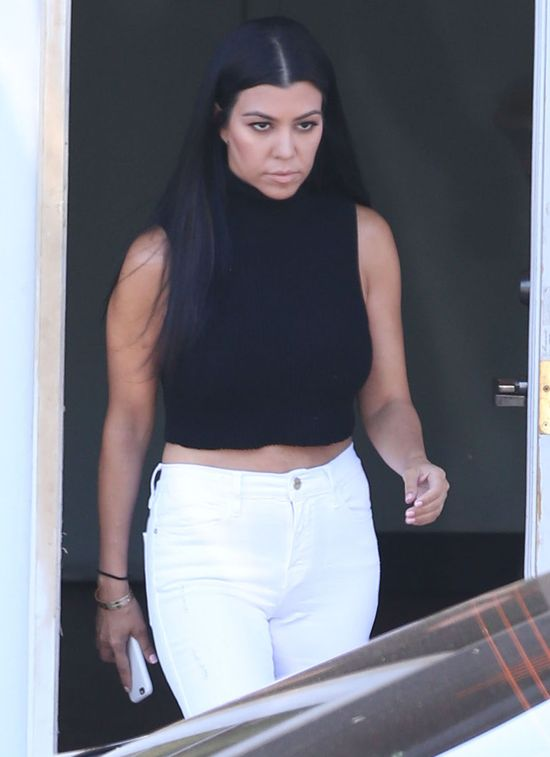 Kourtney Kardashian chudnie w oczach! (FOTO)