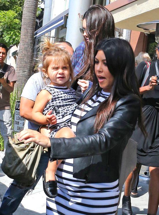 Co Kourtney Kardashian myśli o stylu wychowawczy Kim? (FOTO)