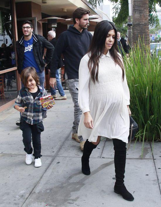 NAGA Kourtney Kardashian w zaawansowanej ciąży! (FOTO)