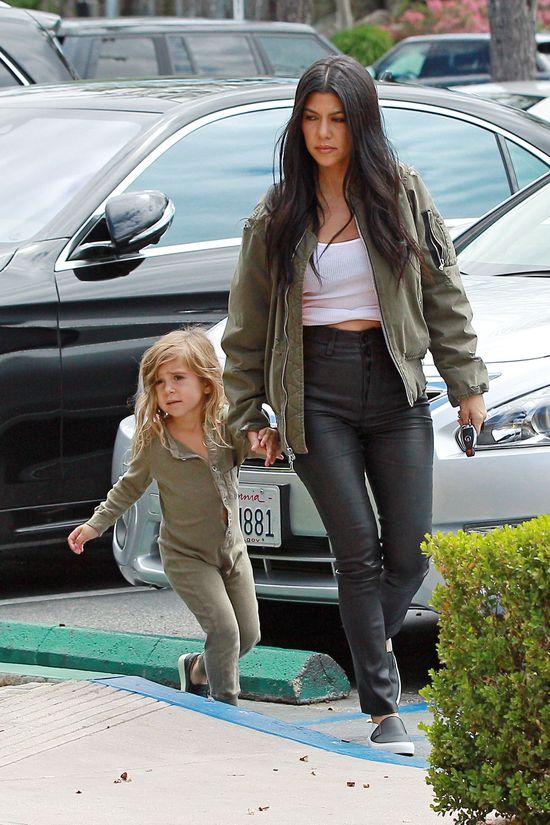 Dawno nie widzieli�my Kourtney Kardashian w takim towarzystwie