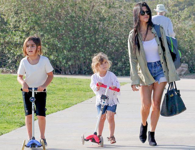 Kourtney Kardashian znudziła się Tygodniem Mody i... (FOTO)