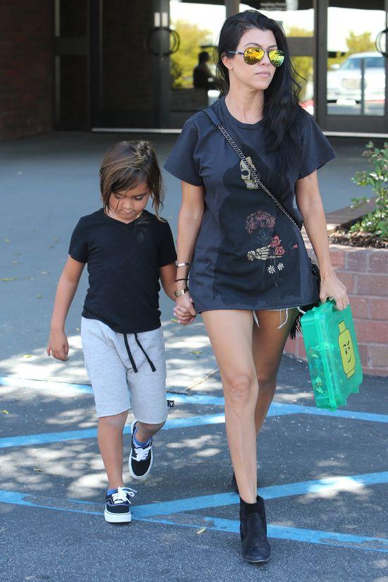 Kourtney Kardashian jest ZA CHUDA? (FOTO)