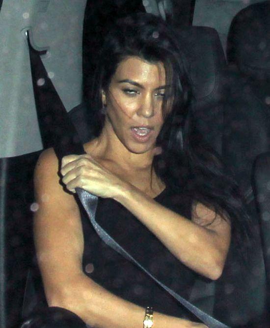 Tak pijanej Kourtney Kardashian nie widzieliście nigdy!