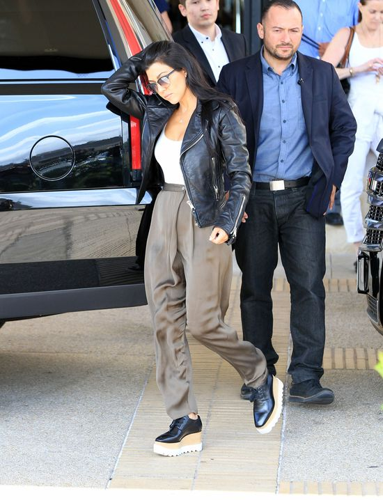 Czar prysł, gdy założyła te buty! (FOTO)