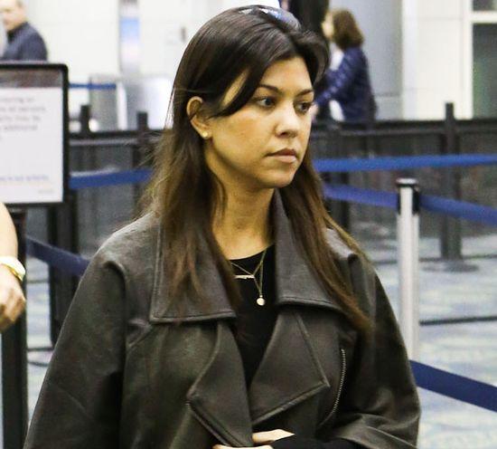 Czy Kourtney Kardashian potrzebuje makijażu? (FOTO)