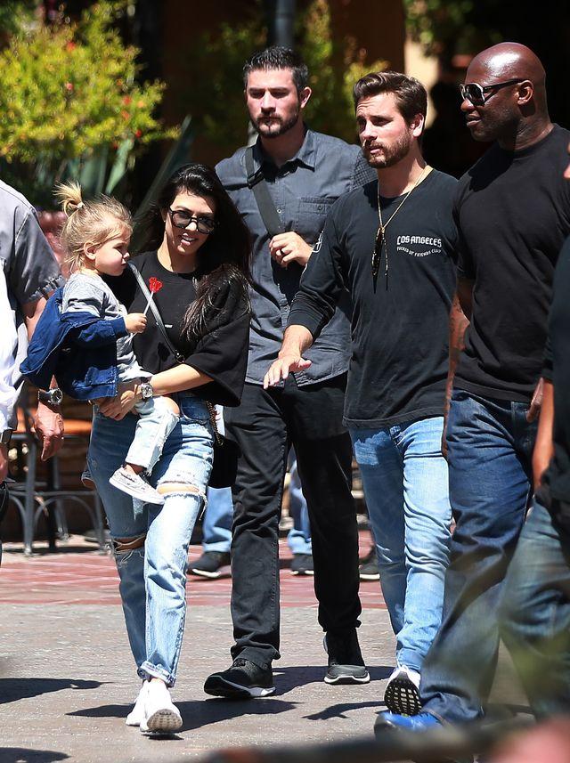 Syn Kourtney Kardashian ma WYREGULOWANE brwi!