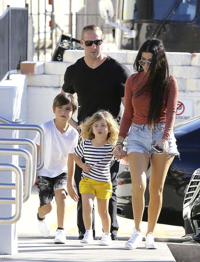 Najzgrabniejsza figura w klanie Kardashian - Jenner? (ZDJĘCIA)