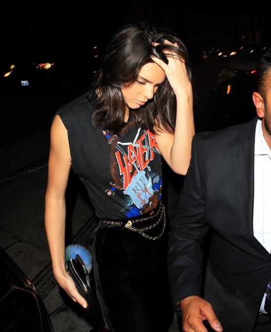 Siostry Kardashian po napadzie na Kim znalaz�y dla siebie idealne ubranie