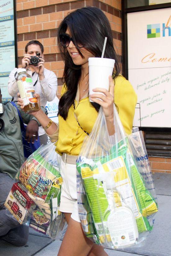 Kourtney Kardashian je kapsułki ze swego łożyska