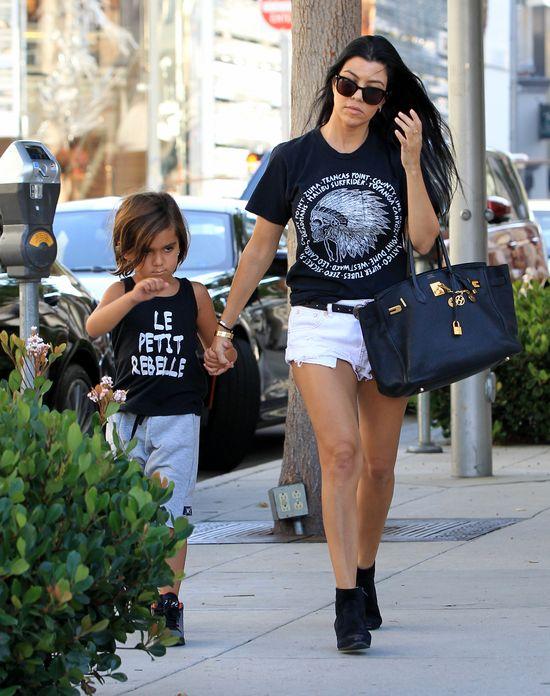Kourtney Kardashian nie wygląda na przybitą (FOTO)