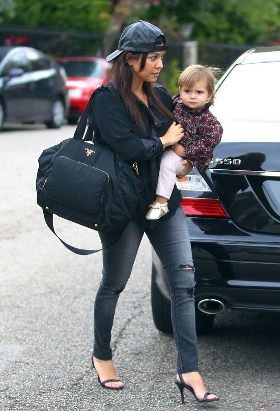 Kourtney Kardashian nie ma lekko (FOTO)