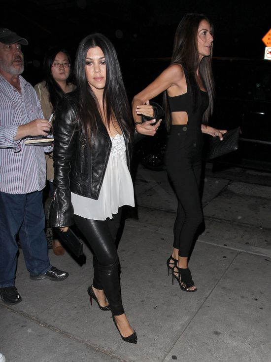 Kourtney Kardashian postanowi�a odreagowa� (FOTO)