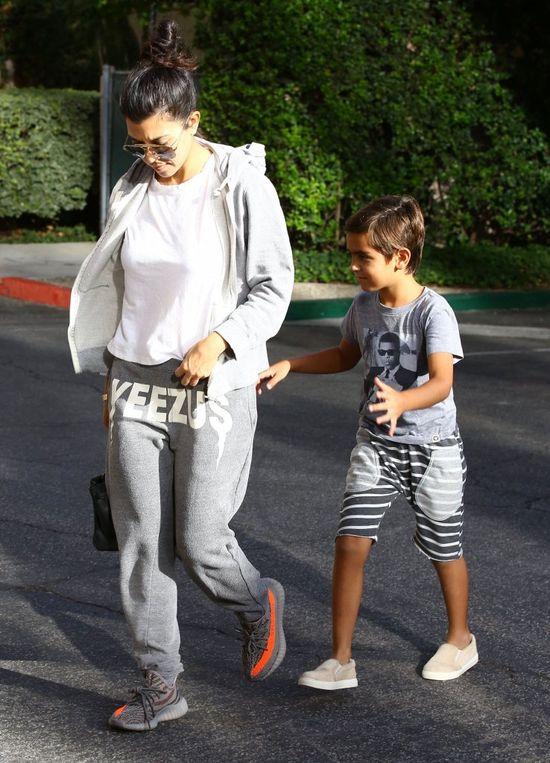 Gdy najseksowniejsza z sióstr Kardashian, wygląd ma w poważaniu (FOTO)