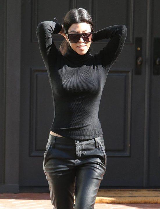 Kourtney Kardashian pokazała brzuszek - widać początek ciąży?