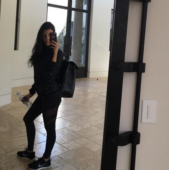 OMG! Kourtney Kardashian pokazała się nago na Instagramie!