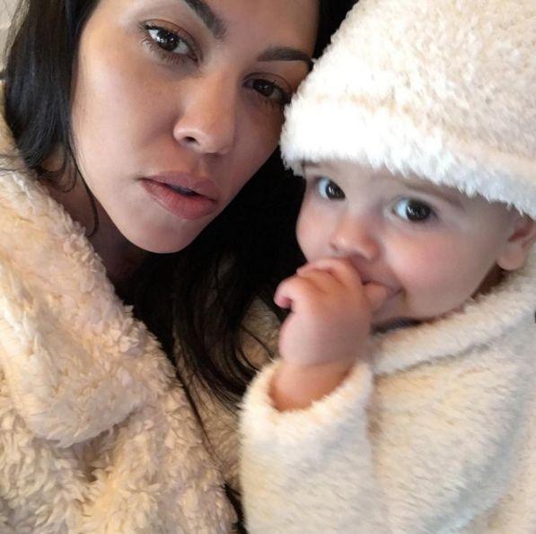Kourtney Kardashian wy�mia�a Kim i Kanye