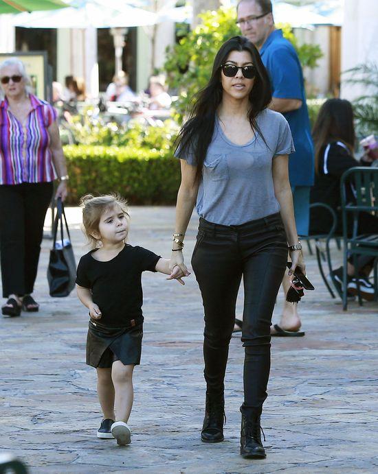 Kourtney Kardashian uczy dzieci o... Jezusie