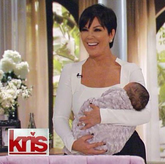 Kris Jenner pokazała w swoim talk show wnuczkę? (FOTO)