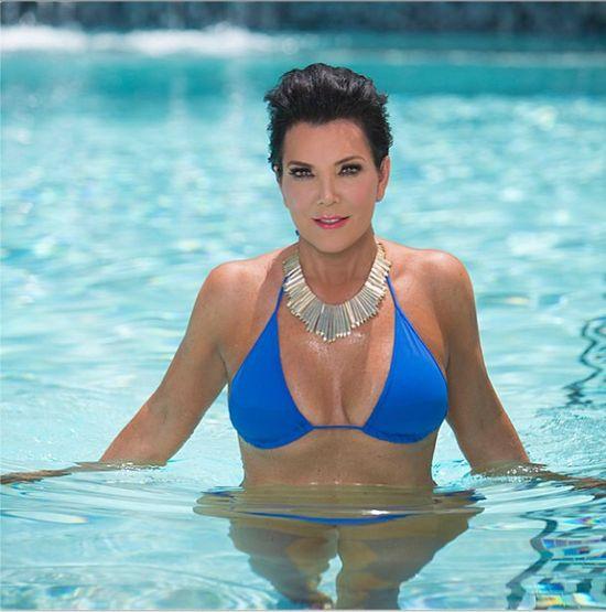 Jak Kris Jenner naprawdę wygląda w bikini? (FOTO)