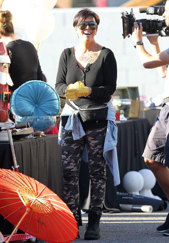 Kris Jenner zmusza�a 4-letni� Khloe do �wicze� na si�owni!