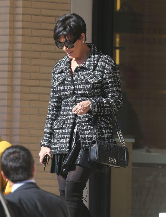 Kim Kardashian pok��ci�a si� z mam�!
