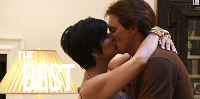 Kris i Bruce Jenner pogrążeni w pocałunku! (FOTO)