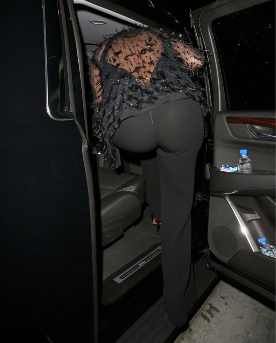 Kris Jenner o włos od wpadki (FOTO)