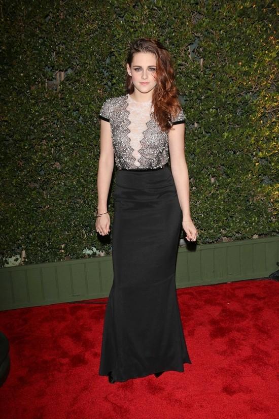 Kristen Stewart wreszcie jak dama (FOTO)