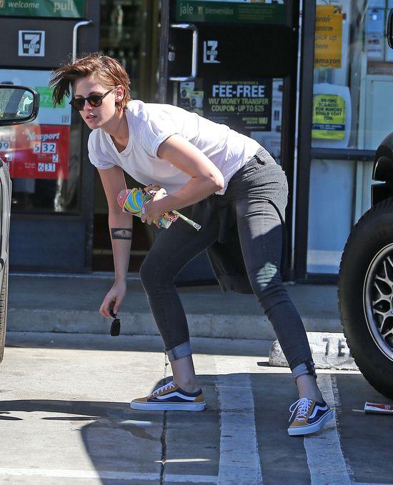 Zakochana Kristen Stewart promienieje szczęściem! (FOTO)